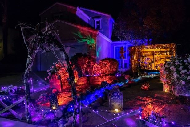Halloween Decorating Contest Winners 4